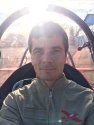 Zdjęcie autora w samolocie